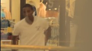 Шега с падащ човек в мола ! Смях