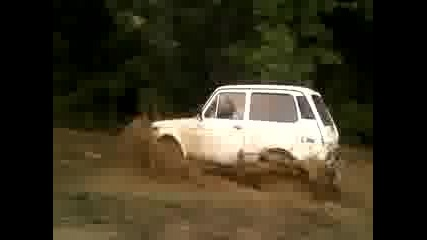 Лада нива в калта