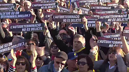 Spain: Protesters rally in Barcelona against Catalan separatists' trial