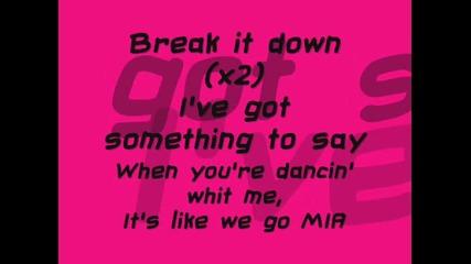 Selena Gomez and The Scene - Shake It Up(lyrics On The Screen)