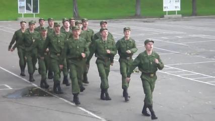 Как маршируват в руската армия