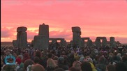 Crowds Gather to See Summer Solstice Sunrise at Stonehenge