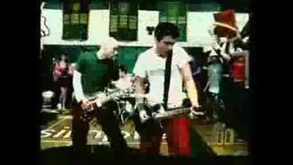Simple Plan Im Just A Kid oficial video