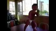 Бебе денси много лудо на - On the floor ( смях )