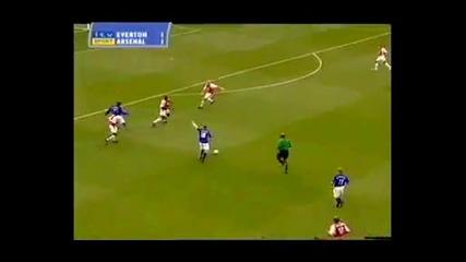 от Първият гол на Рууни (17г.) във Висшата Лига срещу Арсенал. Извънземен шут!