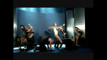 Christina Aguilera е обсебена от дявола