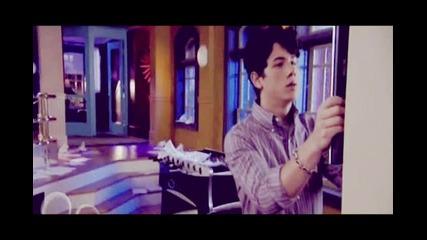 Nick Jonas // C h i c a b o m b - -