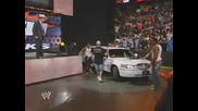 Wwe - John Cena and Cryme Time потрошват лимузината на Jbl