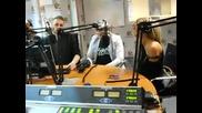 Андреа пее на живо назад, назад, моме Калино в Румънско радио