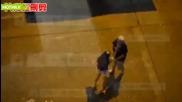 Момиче наказва неверния си приятел а той я моли за милост
