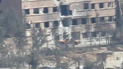 Syria: Government forces launch airstrikes on the Ramousah military complex in Aleppo