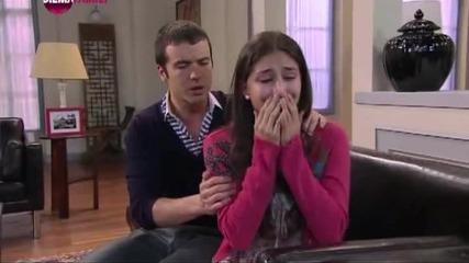 Първата дама, епизод 83, 2011/2012