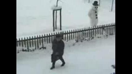 Пази Се От Снежния Човек