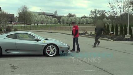 Шега • да пикаеш върху Ферари !