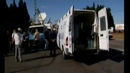 Марадона мина през крака на репортер с колата си!!!!!