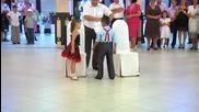 5 Годишни деца танцуват-не пропускайте