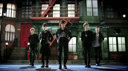 Shinee - Hello {music video}