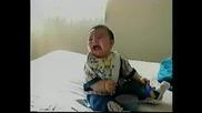 Бебе се хили много яко