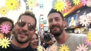 David Bisbal Locuras en Times Square con el equipo de trabajo