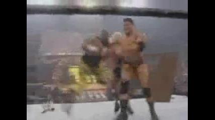 Wwe Батиста и Светкавицата vs Братята Дъдли (royal Rumble 2004) - Мач с маси