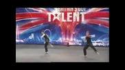 Скачащи пичове  Britains Got Talent 2008