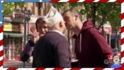 Безплатна храна срещу целувка - Шега