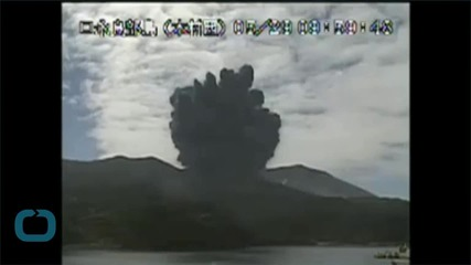 Divers Capture Video of Mount Shindake Eruption in Japan