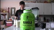 После кажете, че хората не са откачени! Да изпиеш протеин с 12 000 калории за 2 минути!