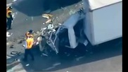 Шестима ученици загинаха при катастрофа на училищен бус и камион
