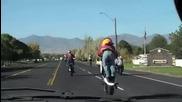 Трикове с мотори - Hallowheelie Stunt Ride