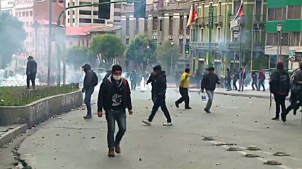 Bolivia: Clashes break out at pro-Morales indigenous march