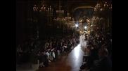 Стела Макартни покори Париж с есенно-зимната си колекция висша мода без животински кожи