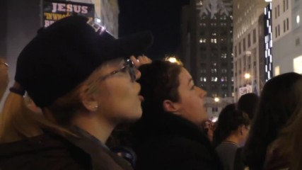 USA: Hundreds stage sit-in outside Trump Tower denouncing new President-elect