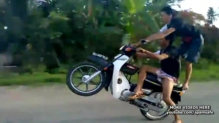 Така се кара мотор в Малайзия