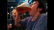 Изпиване на една халба бира за 5 секунди
