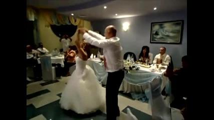 Първи танц на младото семейство :) Бачата, меренге и ръченица !