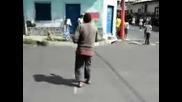 Циганин танцува на Майкал Джексан