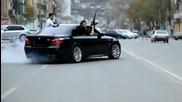 Руската мафия се кефят на вратата с Ak-47