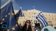 Thousands Rally in Athens for Greece to Stay in Euro Zone