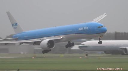 Пилот успява да балансира самолета и го приземява успешно!