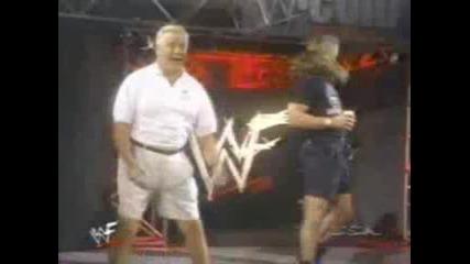 Старчоци Се Кълчат На Псента На Shawn Michaels :d :d
