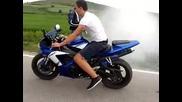 Малко Burnout със Yamaha R1