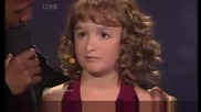 Малко момиченце пее божествено - Americas Got Talent