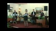 Анета Мицевска и група Молика-много мерак имам бабо