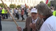 Poland: Activists protest Smolensk crash commemoration march in Warsaw