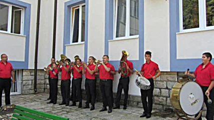 Миро Тошев продължава да Занулява децата на Берковица със-третополови-тромпети Бутони Отгоре!