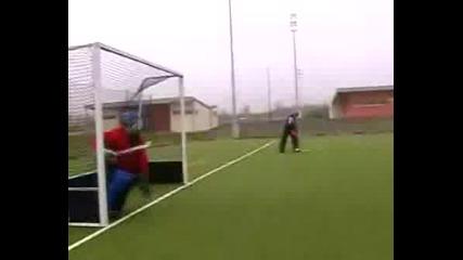 Тренировка На Вратари По Хокей На Трева