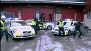 полицаите се кефят на Harlem Shake