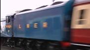 Впечатляващо и готино пътуване с парен влак с 90 mph в британските железници !