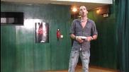 Талант от Варна изпълнява Guns N' Roses